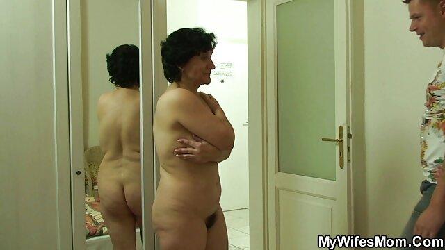 Uma stripper Negra fodeu uma noiva em frente a umas amigas porno brasileiros os melhores numa despedida de solteira.