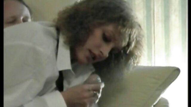 Ichthyander mergulha videos porno comendo a mae do melhor amigo na rata de uma loira no fundo da piscina