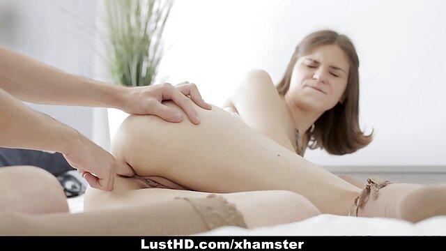 Meninas saltando em enormes galos negros melhor vídeo pornô caseiro (compilação)